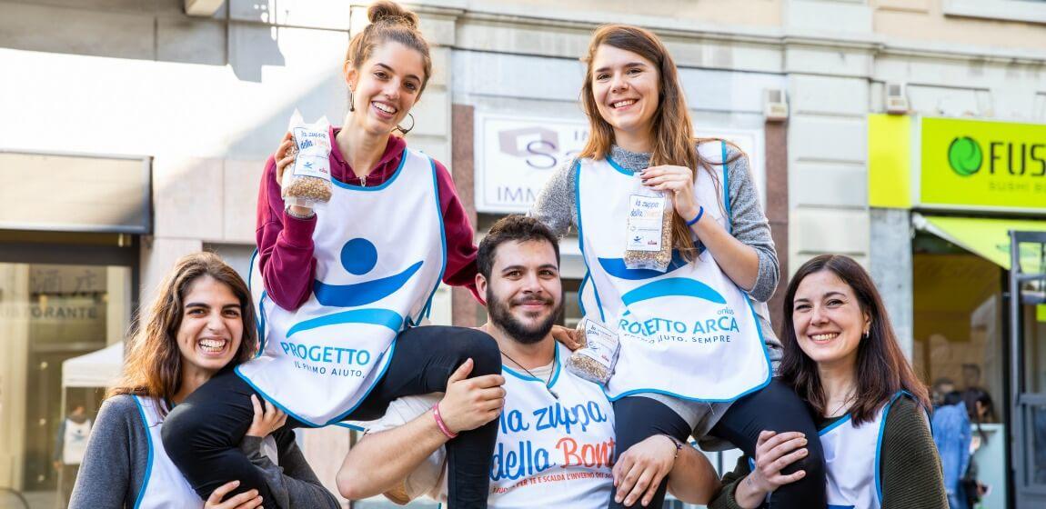 Zuppa-della-Bonta-volontari