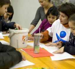 In campo per l'infanzia: vota subito la Stanza dei Compiti
