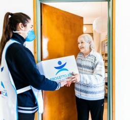 Sempre più famiglie e anziani ci chiedono aiuto per mangiare