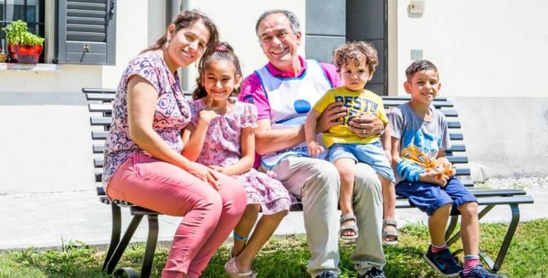 Mirasole, un anno dopo. Mamme e famiglie i nuovi inquilini dell'Abbazia