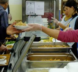 Ordina su foodora e dona un pasto alle persone senza dimora