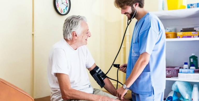 Curare i poveri, a Milano un nuovo Reparto di assistenza infermieristica